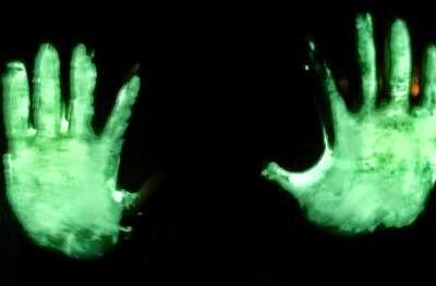 Cách làm bàn tay phát quang