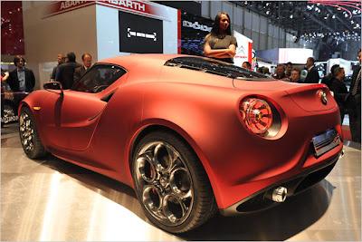 Alfa-Romeo-4C-Concept-Live-2012-car-2