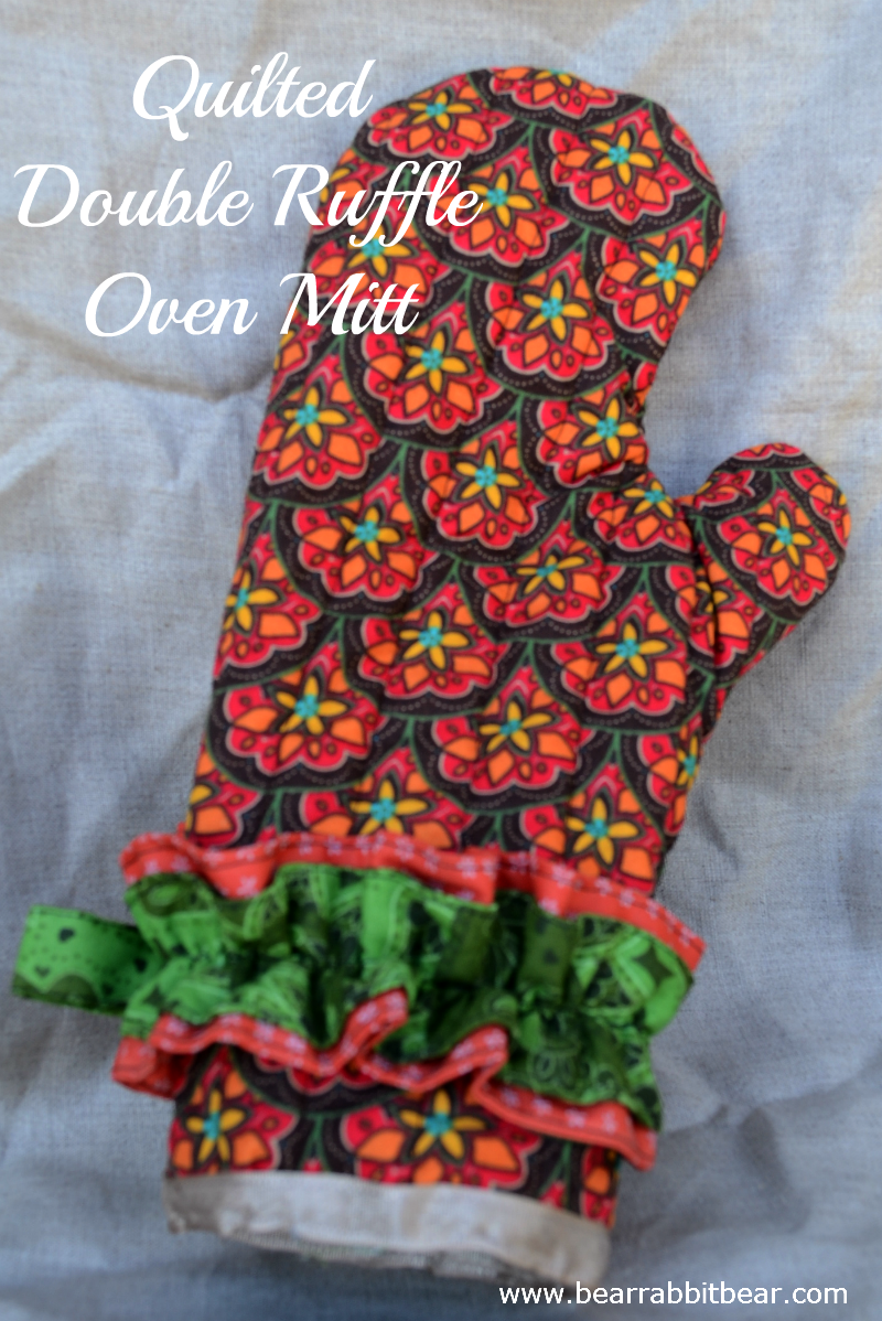 Free Patterns For Quilted Oven Mitts : Quilted Double Ruffle Oven Mitt (& free pattern)