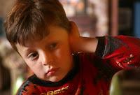 Realidad Qué Causa un Niño Infección de Oído Imagen