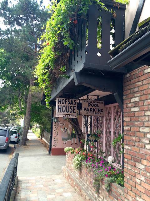 Hofsas House Entrance