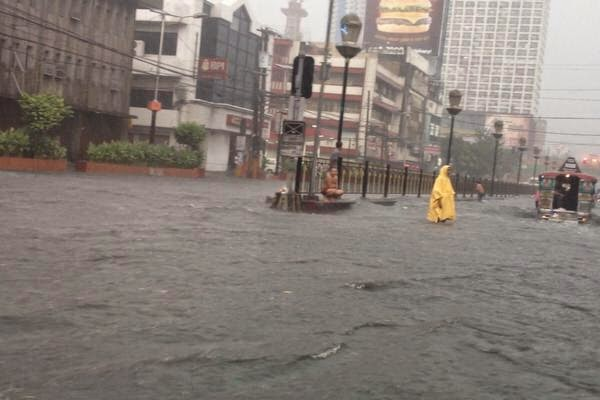 Flood in España, Manila