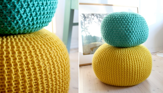 Knitted pouf and other house accessories