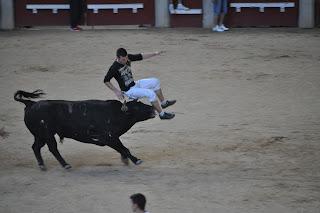 cogida_en_los_encierros_de_Leganes_3_cowboy