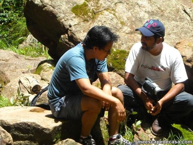 Orillas de la Cascada Tamushal, en la caminata (Dante y El Caminante)