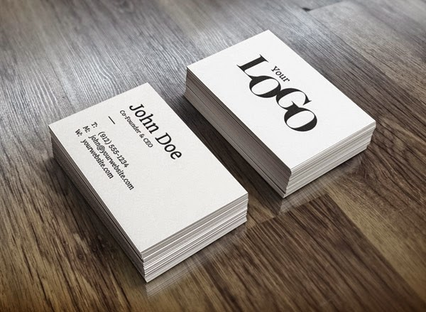 Download ID Card Mockup Gratis - REALISITIC BUSINESS CARD MOCKUP