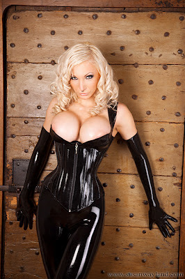 Susan Wayland Dreamful Black Corset
