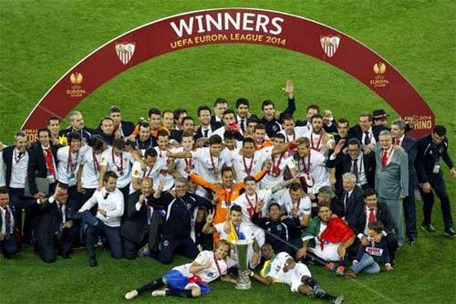 Sevilla Juara Piala UEFA