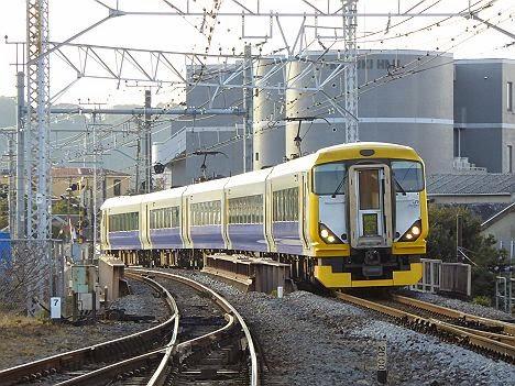 おはようライナー逗子 E257系(2015.3廃止)