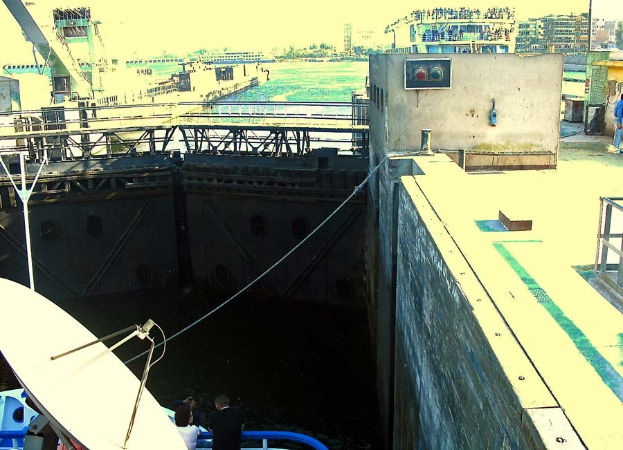 Inside the Esna Lock