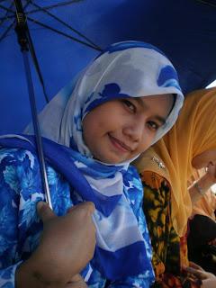 Malay women – Tudung kerja MYDIN dari kampung