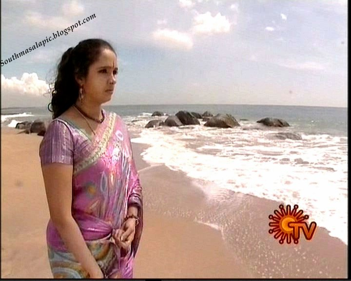 Tamil Aunty Mulai in Gulf