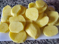 Muschi de porc felii cu cartofi si rozmarin la cuptor preparare