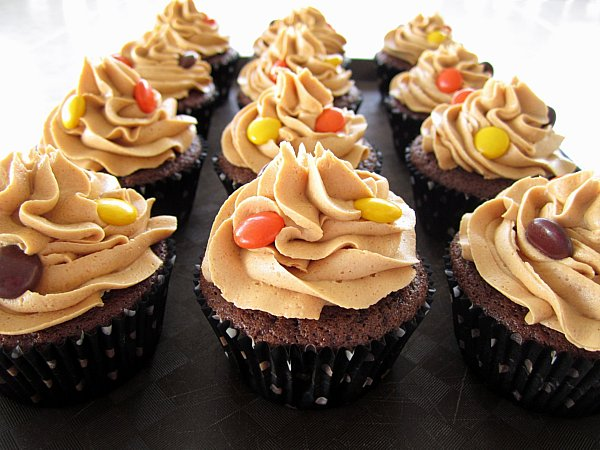 Mission: Food: Chocolate Peanut Butter Cup Cupcakes