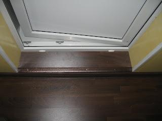 Отделка ламинатом порога между комнатой и лоджией