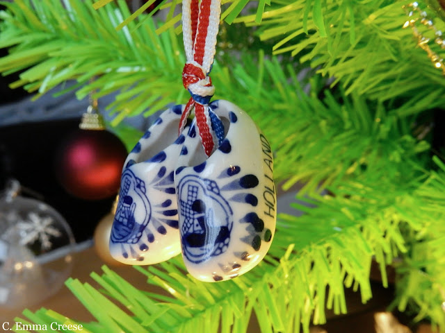 The Expat Holidays Christmas Baubles