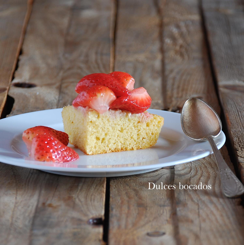 Bizcocho de yuzu y fresas - Dulces bocados