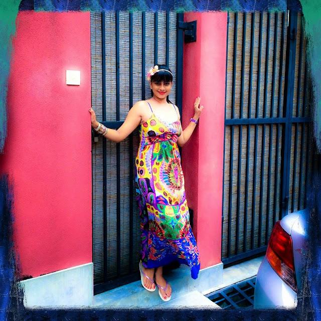 http://picture.gossiplankahotnews.com/2014/05/nadeesha-hemamali.html