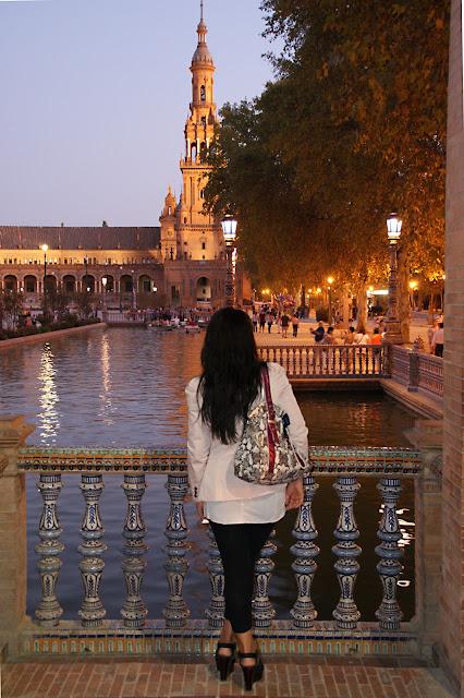 plaza-de-españa-de-noche