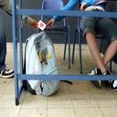 Ljubavna poruka ispod klupe u školi slike pozadine za mobitele download
