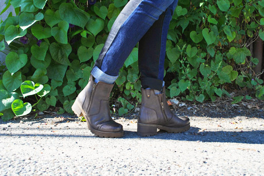 two tone jeans, brown urban boots