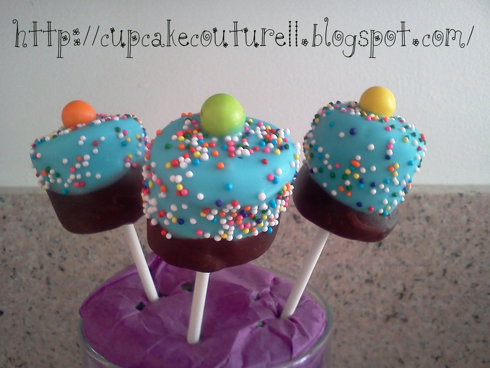 Cupcake couture cake pops for What s a couture pop