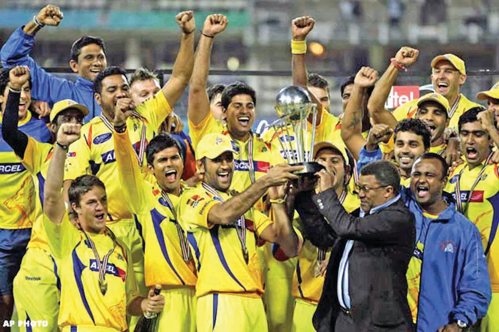 Crickonnect: IPL 6 - PREDICTIONS FOR THE TOP 4 TEAMS  Chennai Super Kings Players