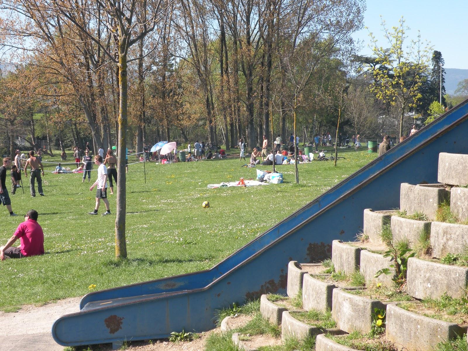 Play de gex lake side park at le vengeron for M park geneve