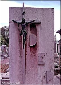 El Crucifijo del cementerio