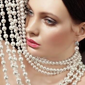 Las perlas vuelven como accesorio de moda