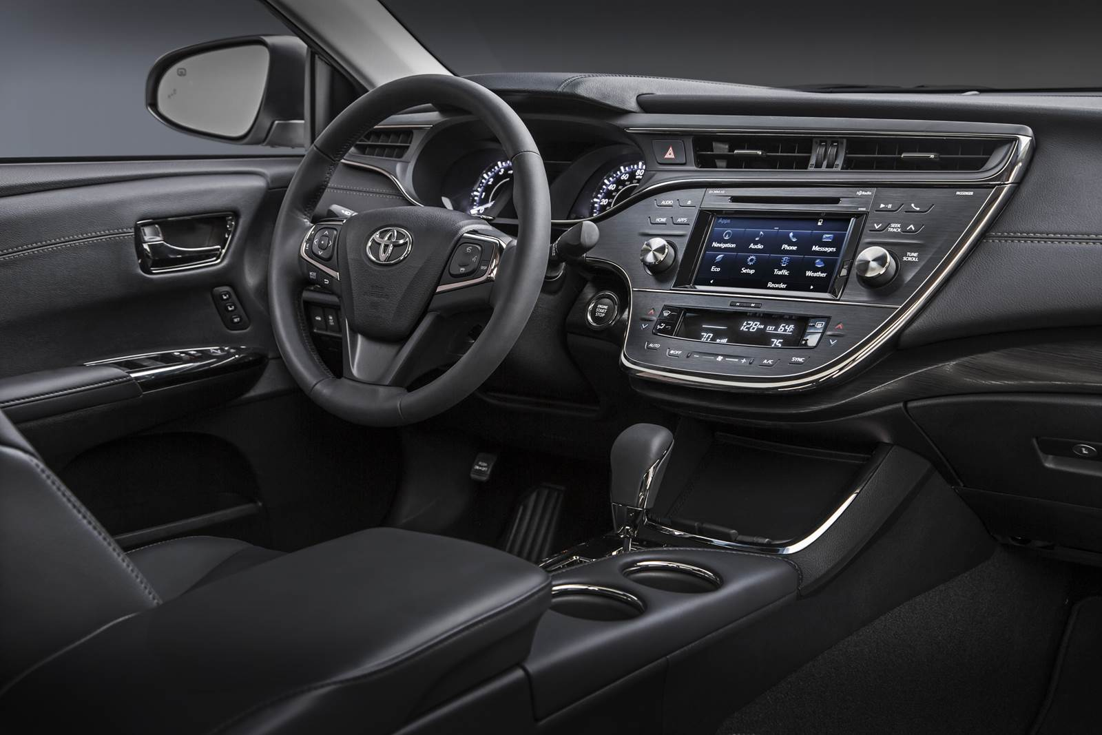 2016 Toyota Avalon - interior