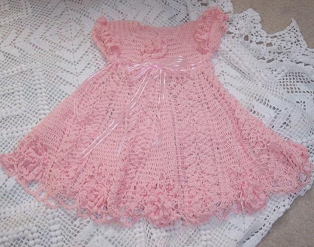 tchau stress artesanatos: Vestido de crochê para criança
