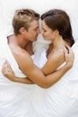 Dormir cara a cara con nuestra pareja nos indica que hay muchos silencios y secretos en la relación