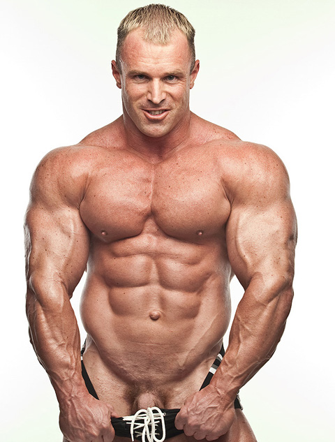 Muscley Interracial Gay Cums