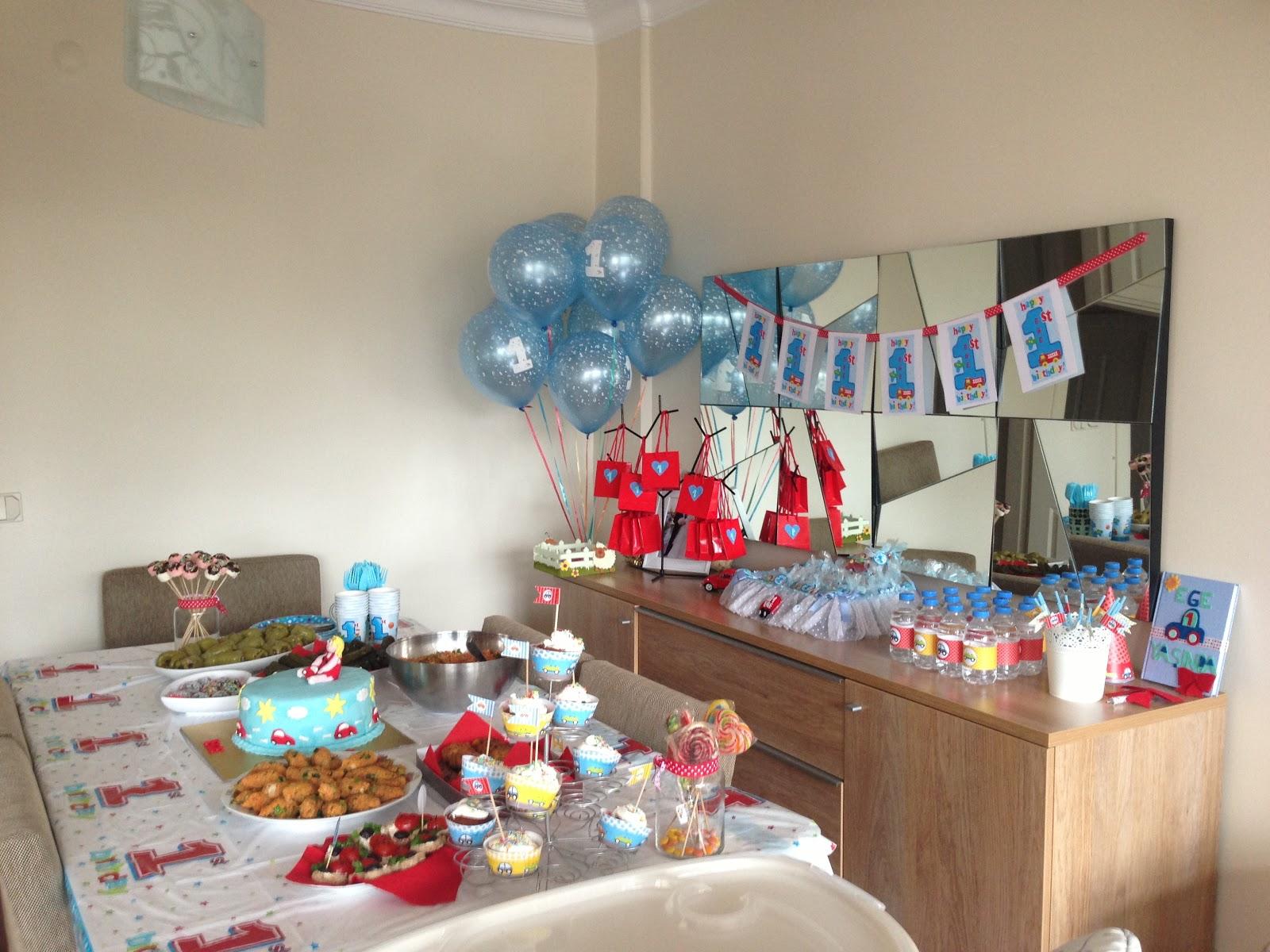 bir yaş doğum günü partisi ile ilgili görsel sonucu