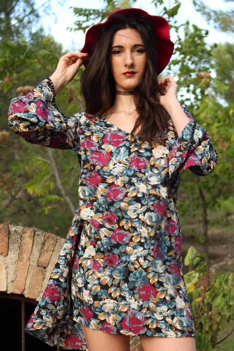 long sleeve flower dress, bugundy hat