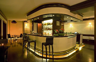 bar room decorating, bar decorating ideas pictures, home bar decorating ideas pictures, L'O - Hotel L'Orologio of Italian