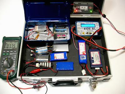 リチウムポリマーバッテリー(リポ)充電風景