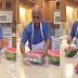 ΑΠΙΣΤΕΥΤΟ: Πως να κόψεις καρπούζι σε δευτερόλεπτα... [video]