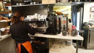 Salario bruto bajó un 0,2% en 2014, hasta los 22.605 euros