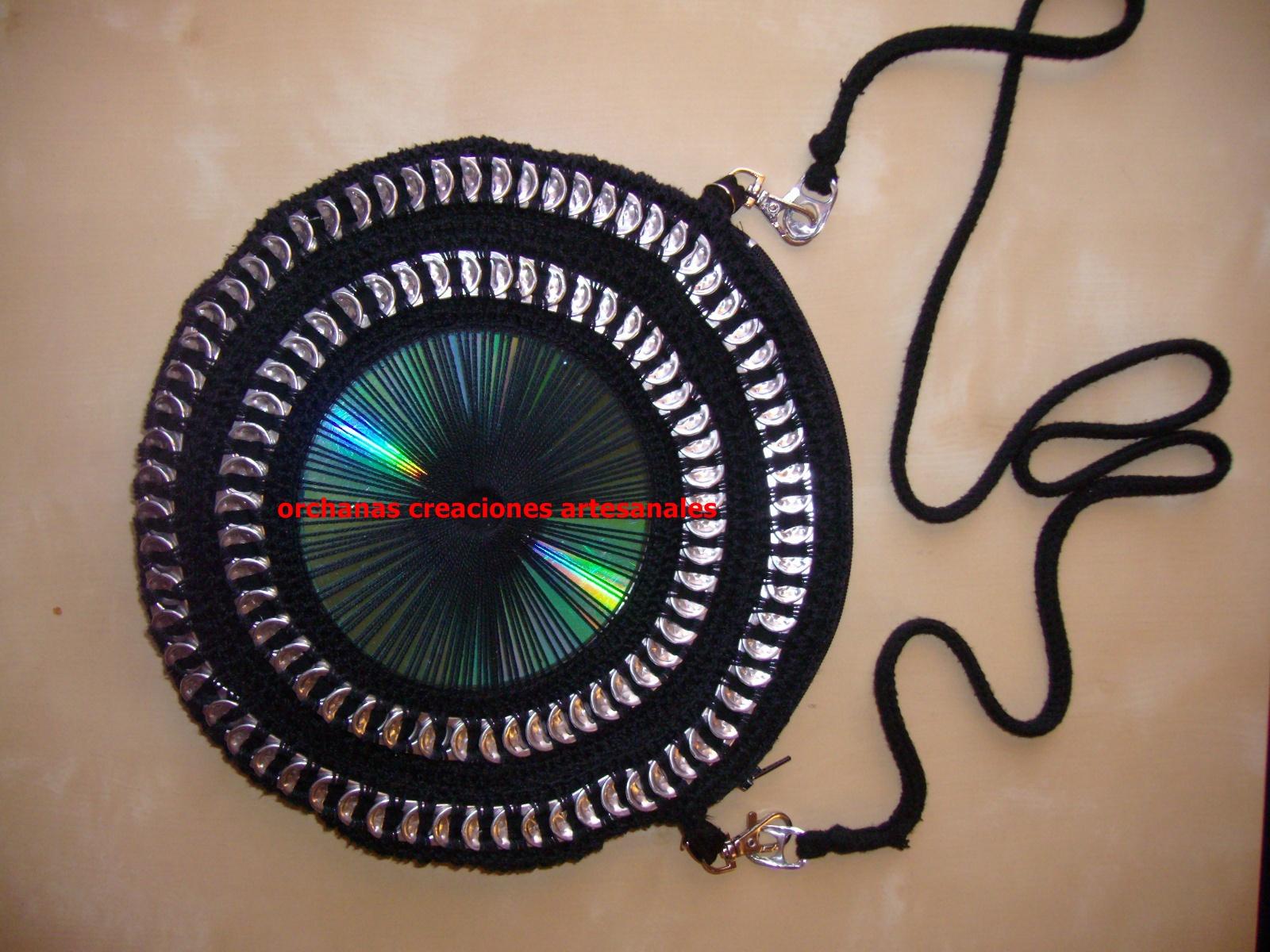 ... ): bolso de chapas y cd en redondo diversos colores y tamaños
