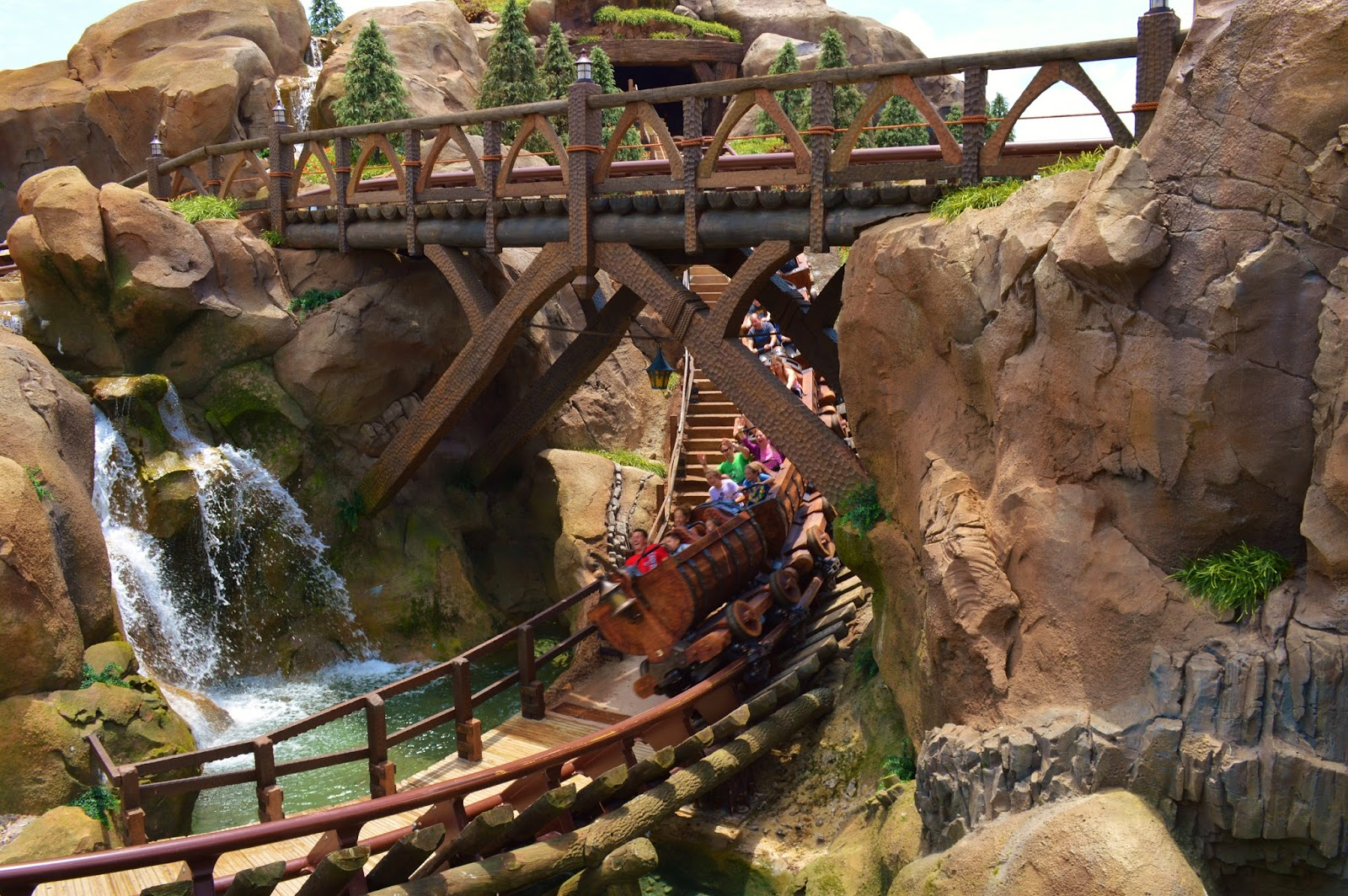 7 dwarfs mine train coaster height