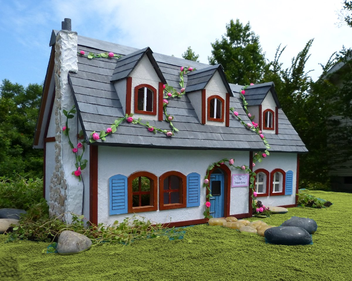 ... Crafts made with paper: The Enchanted Cottage- Make your own Dollhouse