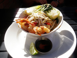 Veggie Pad Thai with Shrimp