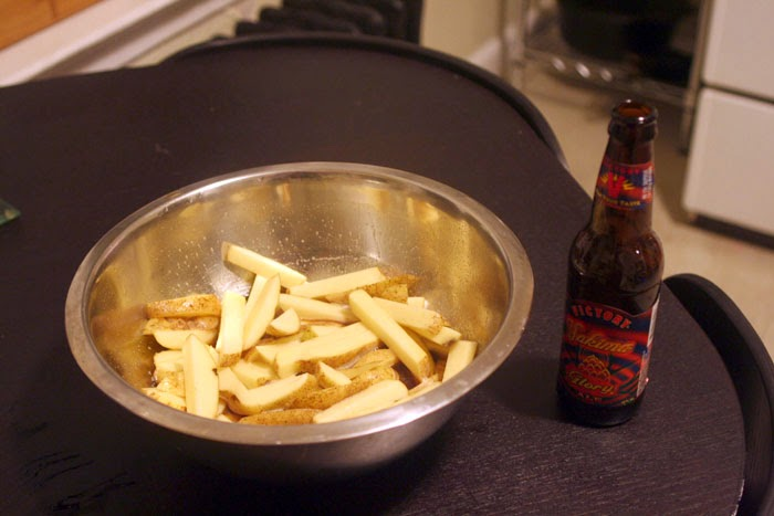 Craft Beer Baked French Fries | hardparade.blogspot.com
