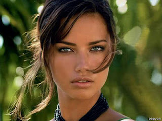 Adriana Lima Hot+(41) Adriana Lima Hot Picture Gallery