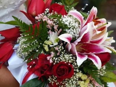 buquê com diversas flores