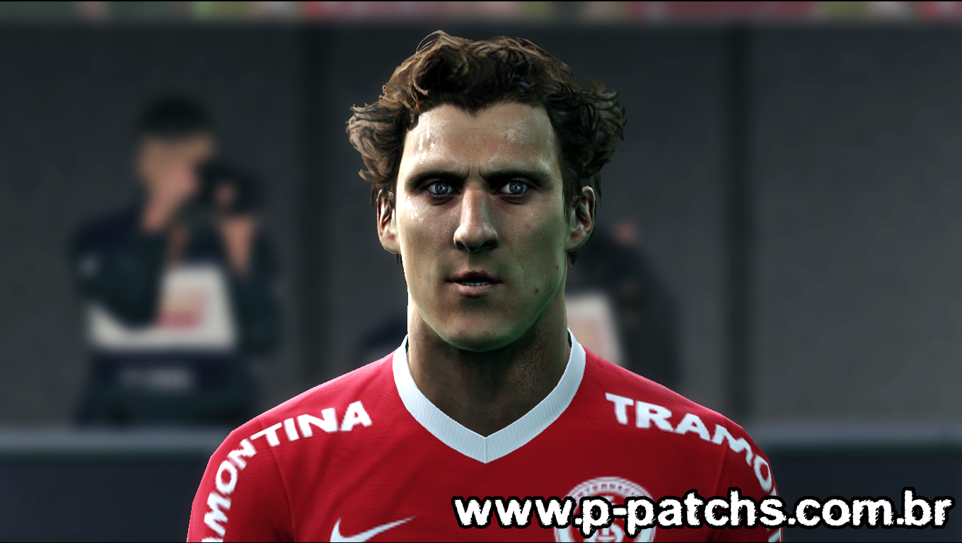 Preview4 PES 2013: Face Diego Forlán