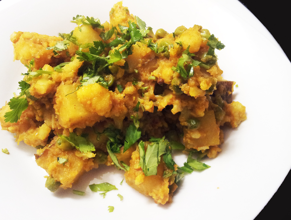 Profound Hatred of Meat: Aloo Gobi (Potatoes and Cauliflower)