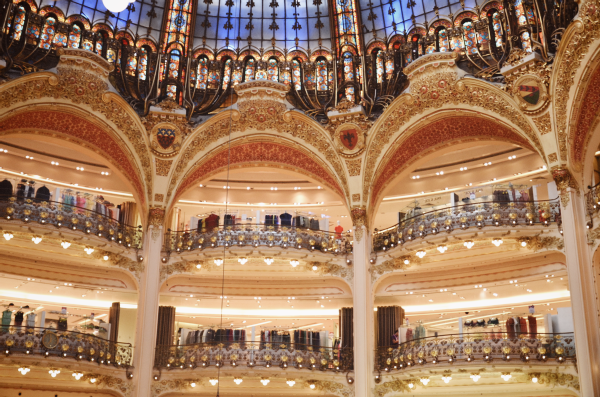 {places : at the galeries lafayette, paris}